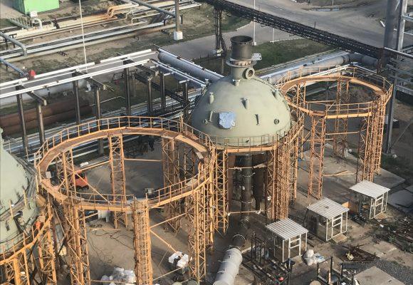Сушка футеровки верхних днищ реактора Р-201 и регенератора Р-202.
